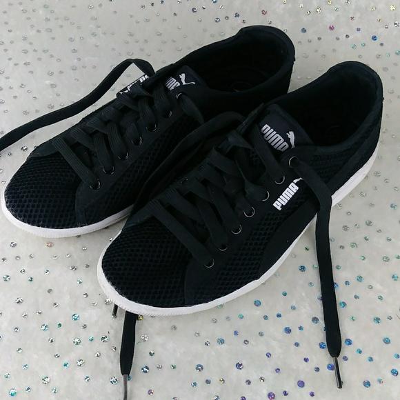 4b148351e12f04 Puma Black Soft Foam Sole Lightweight Sneakers. M 5bee146abaebf6306d7c4548